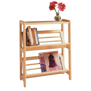 Bookshelf with slanted shelf for display
